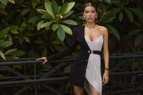 Gu thời trang đầy quyến rũ của Minh Tú