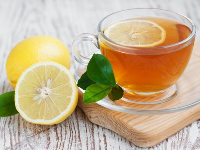 Hỗn hợp chanh mật ong giúp bạn giảm cân và làm đẹp da ,loại bỏ độc tố ra khỏi cơ thể