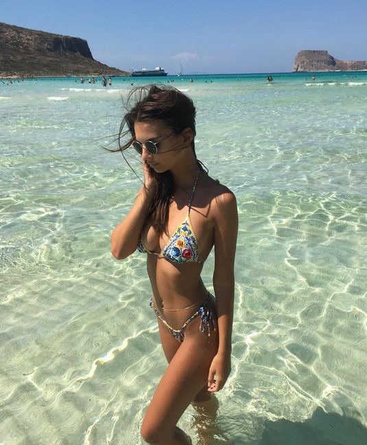 người mặc bikini đẹp nhất Hollywood