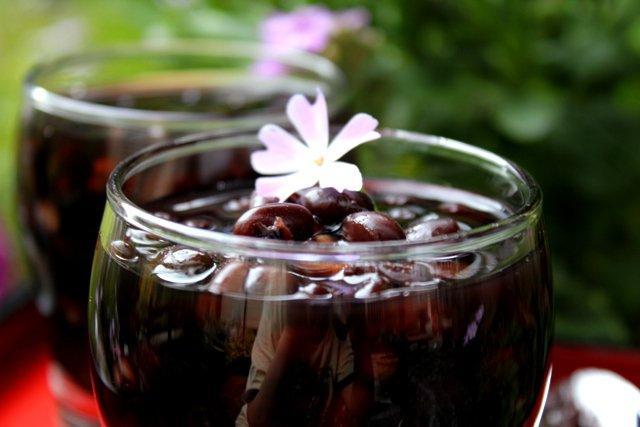 Uống nước đậu đen hàng ngày giúp đẹp da liaiju giảm cân