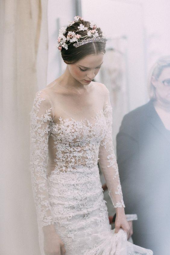 Váy cưới cho cô nàng có chiều cao vượt trội