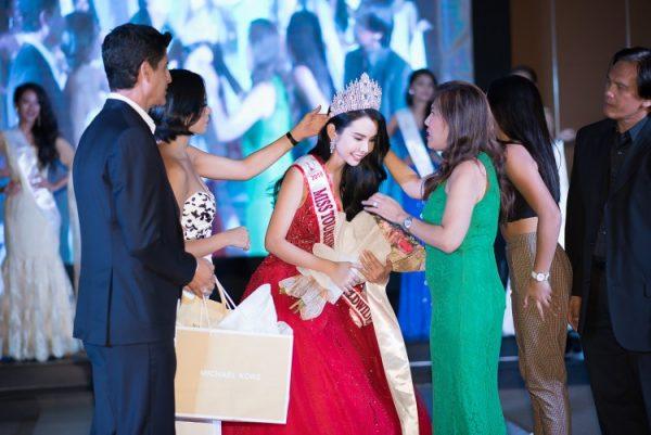 Á khôi Huỳnh Vy đăng quang Hoa hậu Du lịch Thế giới 2018