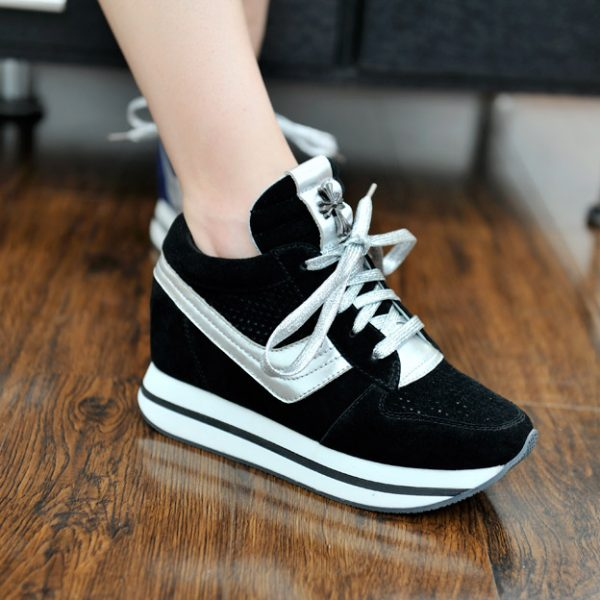 Giày Sneaker - mẫu giày tăng chiều cao cho nữ