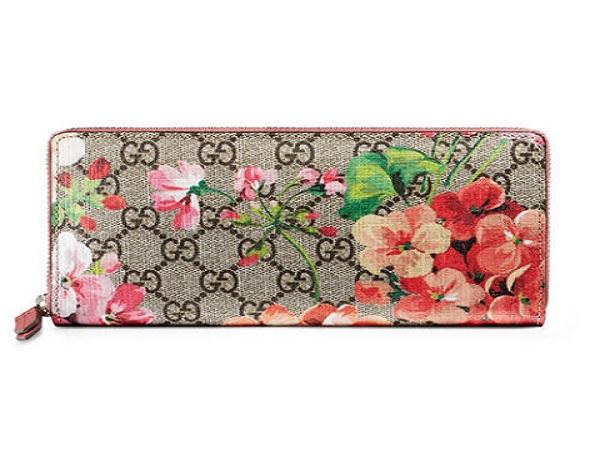 Những mẫu ví cầm tay nữ hàng hiệu được ưa chuộng nhất