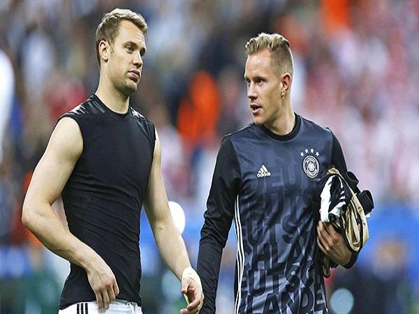 Đã đến lúc Neuer nhường chỗ cho Ter Stegen