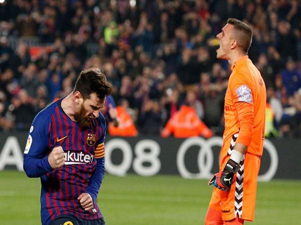 Messi cán mốc ghi bàn không tưởng