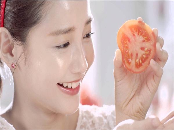 Cách trị mụn bọc tại nhà với cà chua
