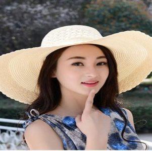 Mũ rộng vành - kiểu mũ đi biển đẹp