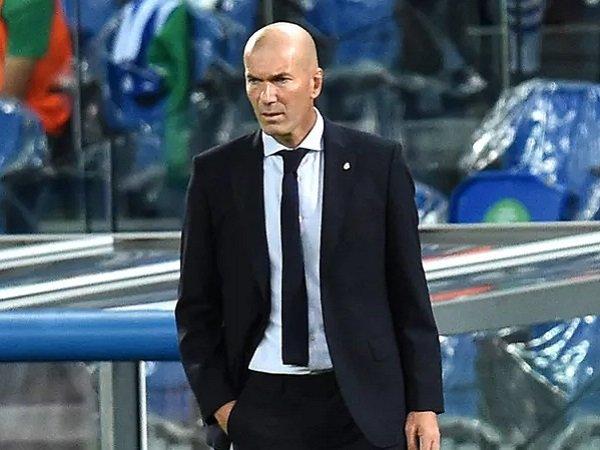 Tin bóng đá trưa 2/2: Zidane chỉ còn 1 cửa để giữ ghế