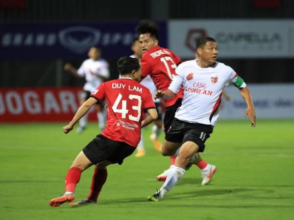 Bóng đá VN ngày 29/3: Long An chen chân vào top 3 Hạng Nhất 2021