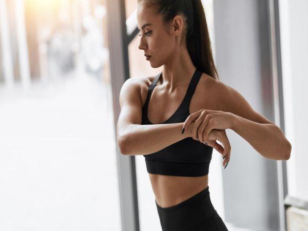 Bài tập giảm mỡ bắp tay giúp phái nữ tự tin diện áo hai dây