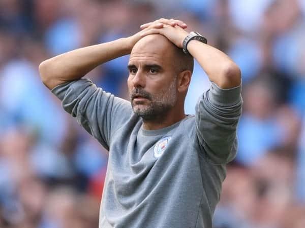 Pep Guardiola đau đầu vì hậu vệ